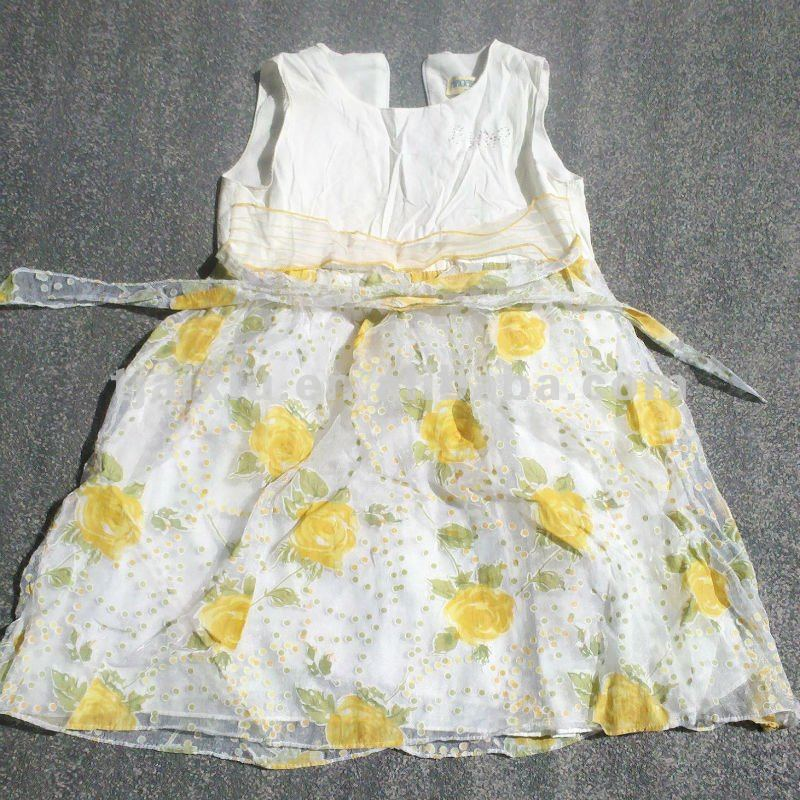Used kids beautiful model dresses clothes