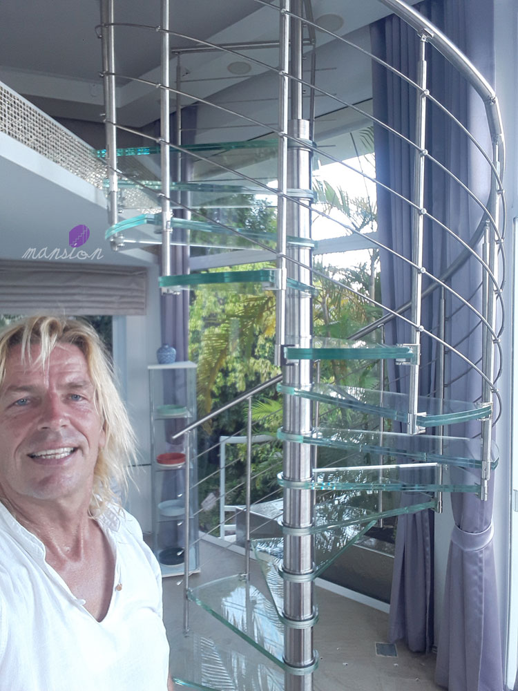 Modern Prefabricated Glass Spiral Staircase