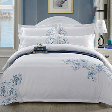 Guangzhou Supplier 300tc 60*40s satin fabric King White hotel bedding set