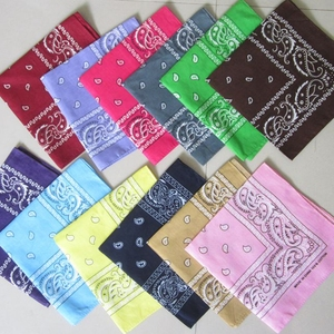 Cheap 100% cotton polyester multifunctional seamless neck paisley bandana bibs custom dog tubular bandana