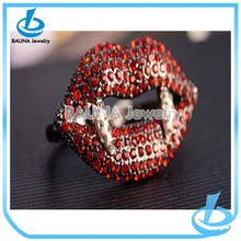 Wholesale unique gold alloy red charm lip ring