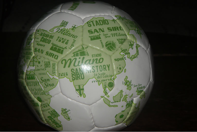 ORIGINAL MINI FOOTBALL/MATCH BALL/SOCCER BALL WORLD MAP SIZE 2