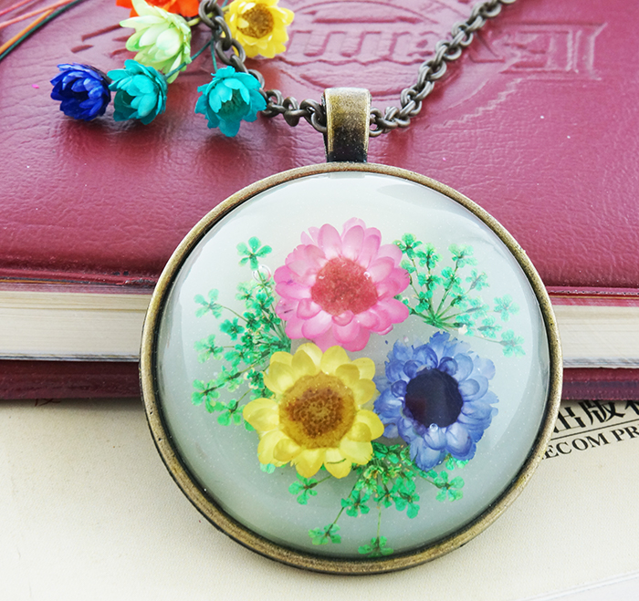 2016 New Glow color fashion dried flower necklace Pendant Travel gifts Christmas Gift Girl