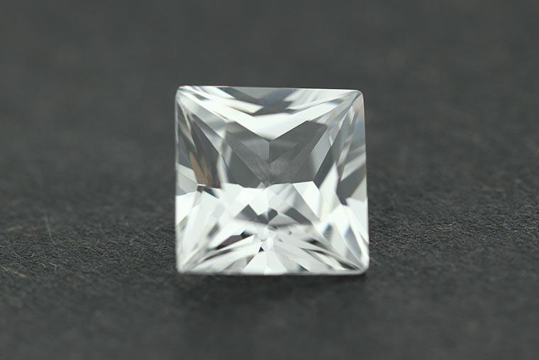 12 whaite sapphire  0.jpg