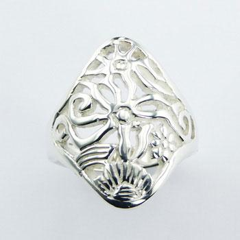 Delicate Diamond Shaped Inspiring Silver Designer Ring