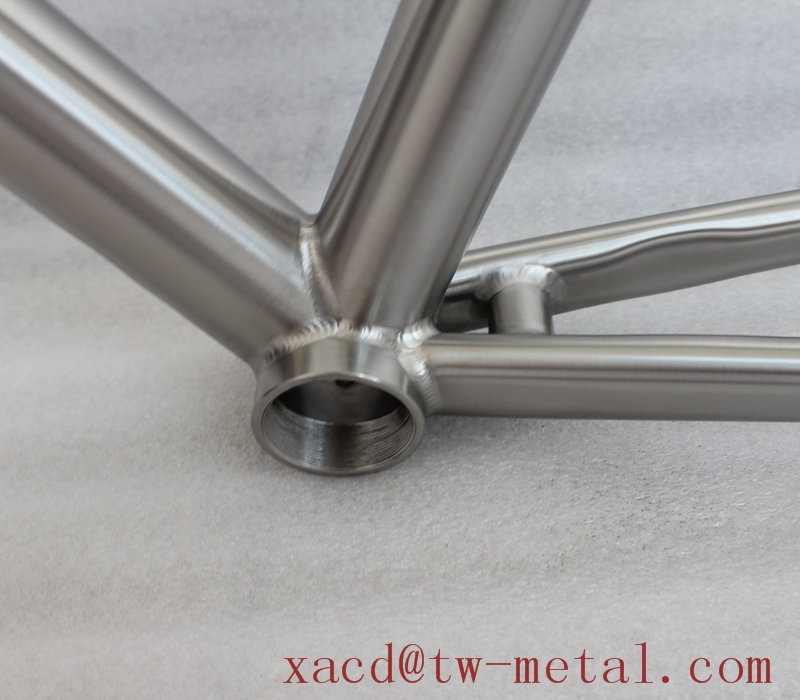 Titanium road bike frame with replaceable dropouts and taper head tube XACD made ti road bicycle frame OEM titan bike frame