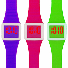 Promotional fashionable and cheap LED Silicone Watch For Kids Gift