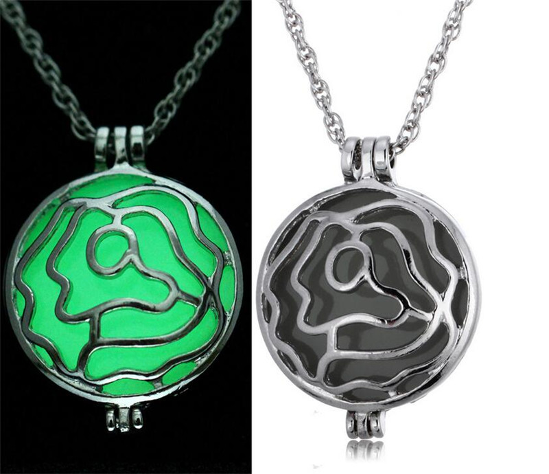 Popular Rose Hollow Out Pendant Necklace Big Luminous Stone Neckalce Wholesale