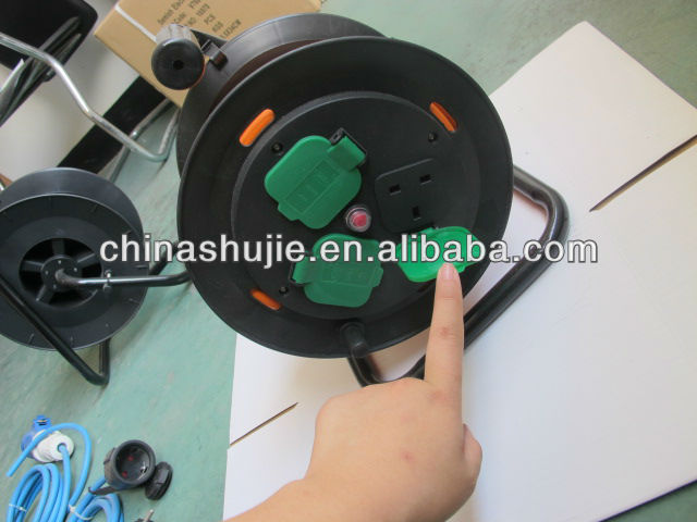 HO5RN-F/H07RN-F rubber retractable cable reel ;plastic cable reel yellow or bule