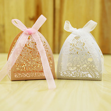 Hot sale laser cut white and pink printing paper wedding favour boxes