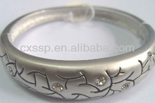 Factory custom made engraved rhinestone matte finished bangles