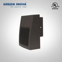 5 years warranty New arrival IP65 20W Slim Adjustable Full Cut LED Wall Pack