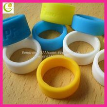Custom finger ring protection silicone finger rings / silicone hand bands for wholesales funny silicone finger ring