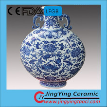 Round shape office decor antique ceramic blue and white vase jingdezhen traditional porcelain