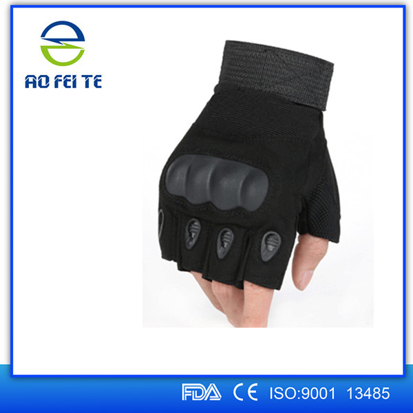 gloves tactical.jpg