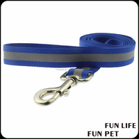 Wholesale Adjustable Pet Dog Leash Factory Pet Supplies Reflective Safety in Night with Metal Bukcle