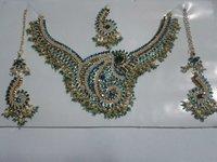 Grand Necklace Set - Fashion