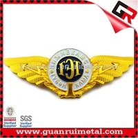 Nice Looking Cheapest custom design pilot wings pin badge