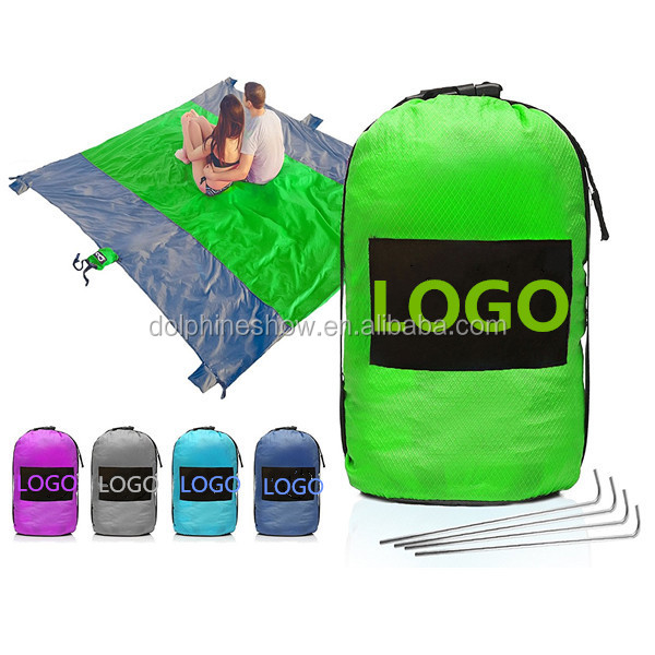 Portable Foldable Sandless 9X7FT Picnic Beach Mat With LOGO Waterproof Black Compact Outdoor Sand Proof Beach Blanket Nylon