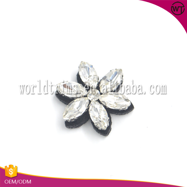 New arrival rhinestone 3d small flower patches and applique
