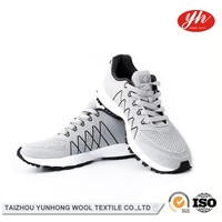 Breathable Top Quality High End Quality-Assured Men Shoes Sneakers Casual