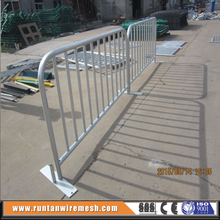 hop dip galvanized quality pedestrian barrier with metal feet
