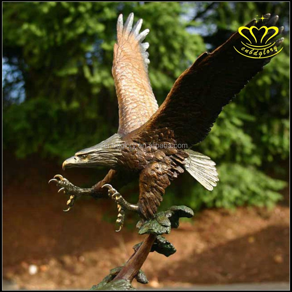 Outdoor metal bronze eagle statue sculpture