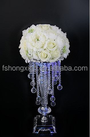 elegant crystal centerpieces for weddings