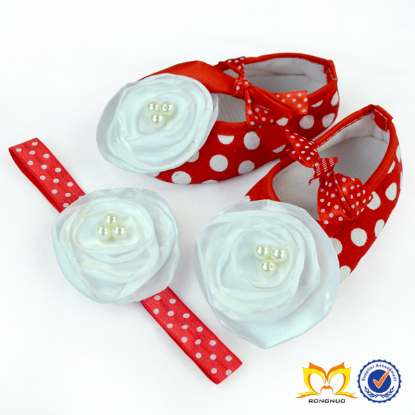 Hot! Hot Sale Baby Red White Polka Dots Shoes Soft Newborn Baby Shoes