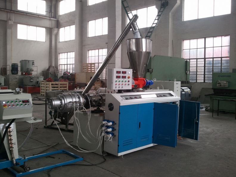 China PVC machine four pipes belling machine