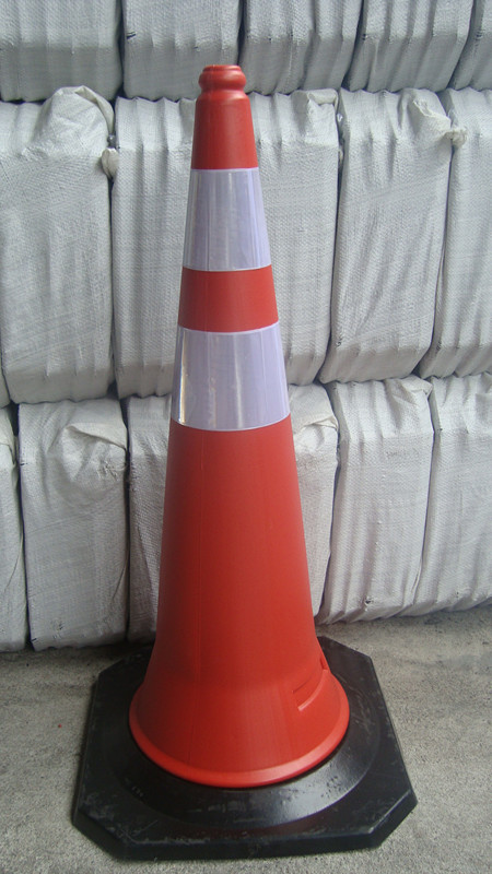 50cm PE traffic cone rubber base traffic cone factory wholesale warning traffic cone