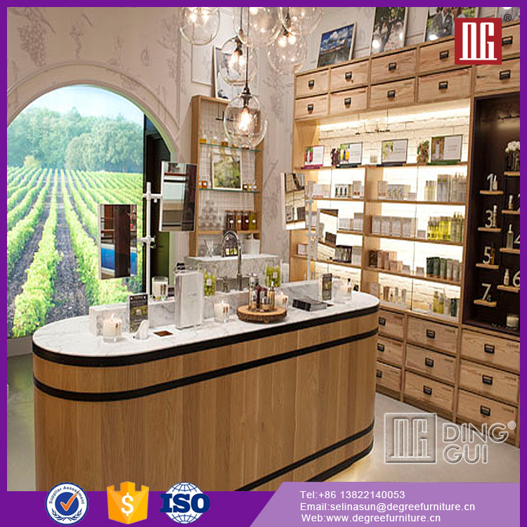 Fashion Cosmetic Exhibition Booth Design