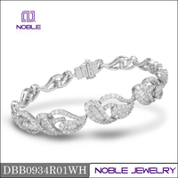 New 18K white gold jewellry baguette cut diamond bracelet