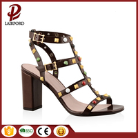 Latest design cheap sample low MOQ popular and fashional women lady pencil high heel bridal fancy sandal 2017