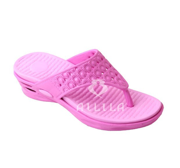Wedge sole women beach flip flops