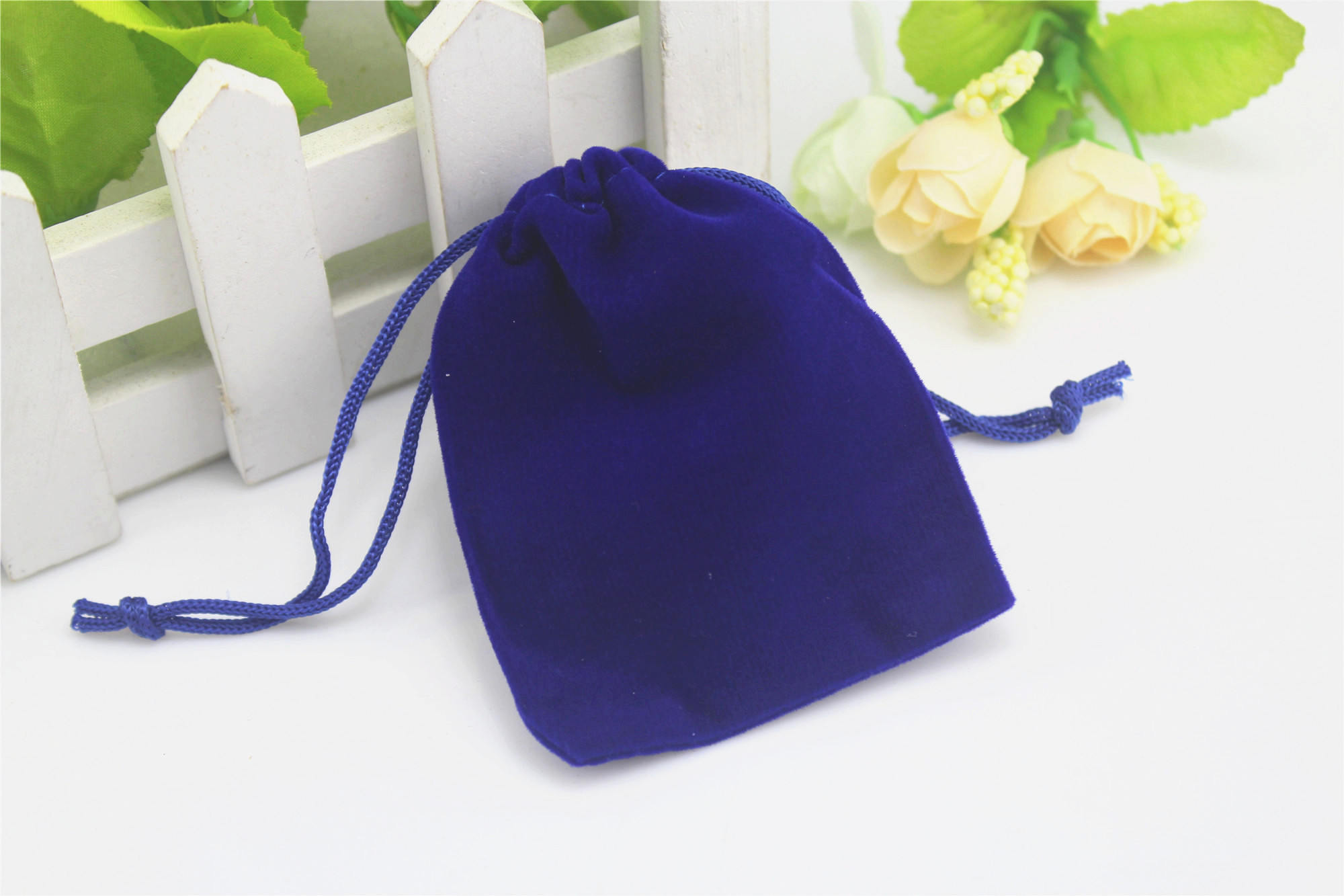 Velvet Drawstring Small Wedding Party Favors Baby Shower Gifts Storage Pouches