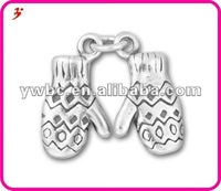 A lucky Cheap Lovely Mittens Charms(H101783)