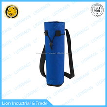 Convenient outdoor water bottle cooler bag