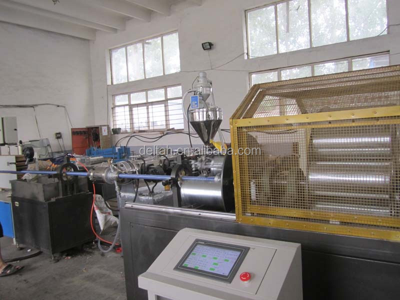 flexible hose machine Vacuum cleaning machine plastic hose pipe making machine production line
