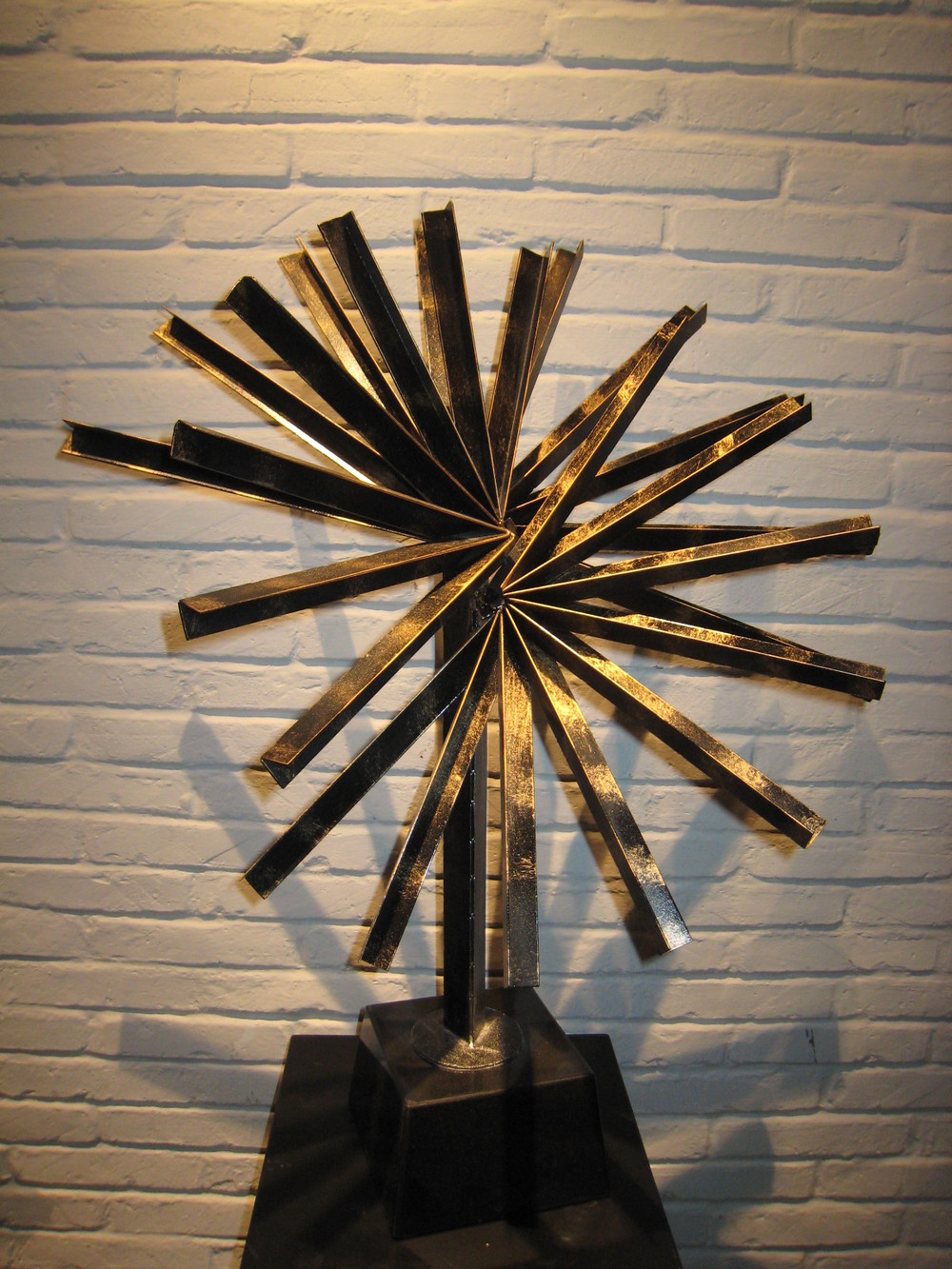 Modern metal indoor art sculpture