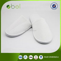 cheap custom dots sole/disposable hotel slippers