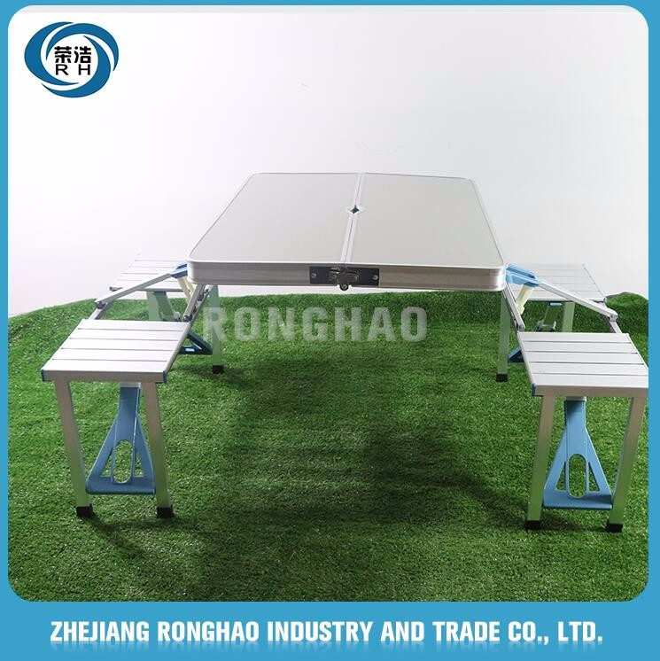 Hot sales standard size Factory made cheap compact folding table