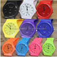 2015 fashion cheap simple style silicone quartz sport watch different colors