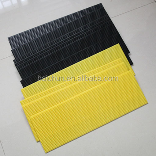 From China supplier beekeeping tools cheap plastic beeswax foundation