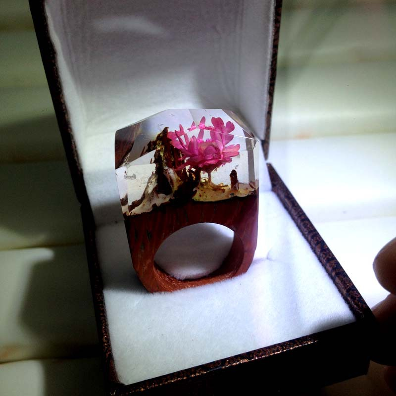 Surprised gift mysterious world in secret wood ring handmade by red rosewood and oak with resin and palm wax
