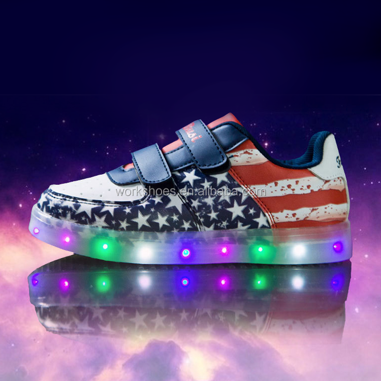 wholesale low price famous brand various designs color changing led shoes
