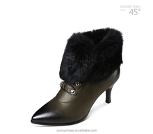 Good quality genuine leather woman fur boot with low moq
