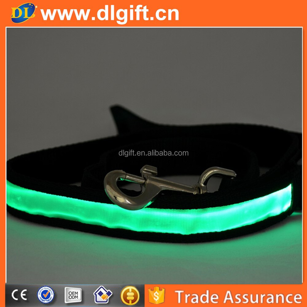 2017 new arrival solar energy and with USB rechargeable led dog leash