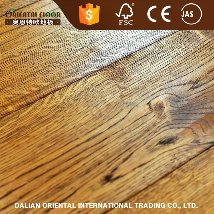 China manufacture handscrap and wire brushed rustic European oak random width flooirng