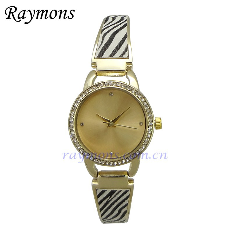 Hot China manufacturer gold plating stone studded ladies bracelet wrist watch